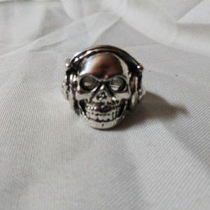 Stainless steel Skull w headphones Ring size 9